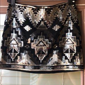 Express sequence mini skirt